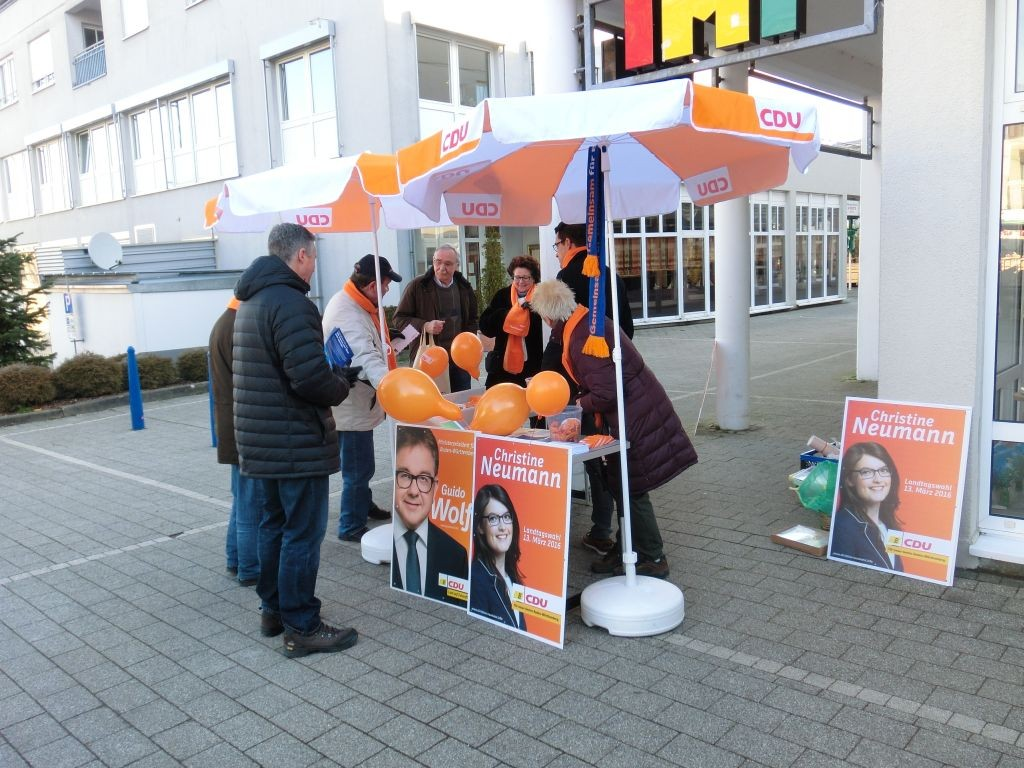 Infostand-Rathausmarkt_26.02 _3_